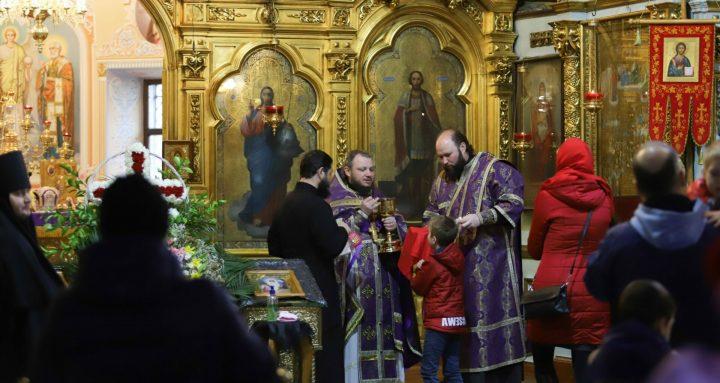 Ești preot? Te rog #StaiAcasă.